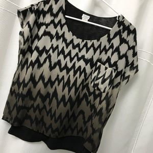 HOST PICK 💕CHARMING CHARLIE chevron patterned top